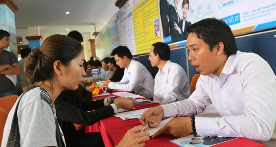 Doanh nghiệp tuyển người tại Sàn giao dịch việc làm do Trung tâm Hướng nghiệp, Dạy nghề và Giới thiệu việc làm Thanh niên TP tổ chức