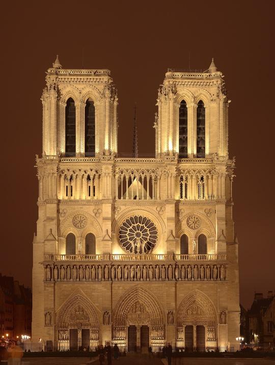 Trải nghiệm và mơ ước dưới chân tháp Eiffel