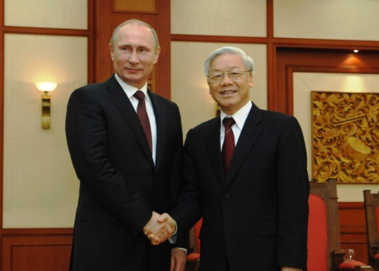 Tổng Bí thư Nguyễn Phú Trọng hội kiến với Tổng thống Vladimir Putin trong chuyến thăm Việt Nam tháng 11-2013. Ảnh: TTXVN