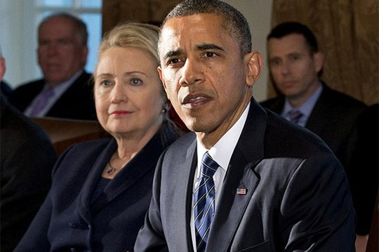 Tổng thống Obama và bà Hillary Clinton trong cuộc họp tại Nhà Trắng hồi tháng 11-2012. Ảnh: AP