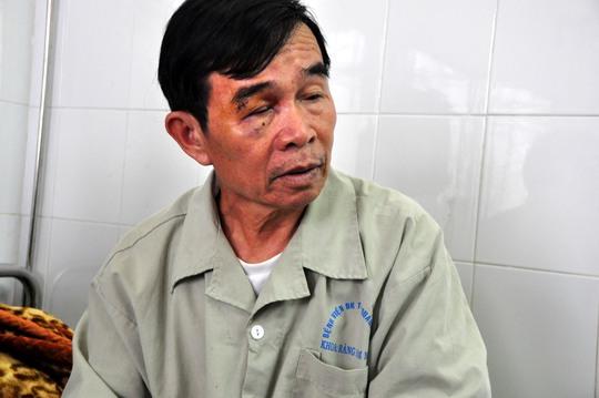 Ông Nguyễn Quốc Chinh, Chủ tịch Nghiệp đoàn Nghề cá An Hải, Lý Sơn đang được điều trị tại bệnh viện.