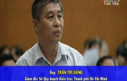 Ông Trần Trí Dũng, Giám đốc Sở Quy hoạch kiến trúc cũng tham gia trả lời chất vấn của các đại biểu