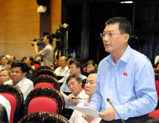 Đại biểu Quốc hội TP Hà Nội, ông Phạm Huy Hùng, nguyên chủ tịch VietinBank