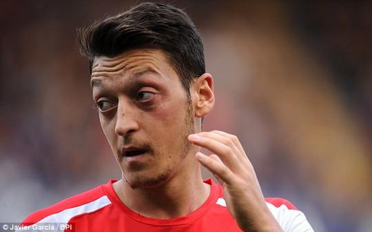 Vắng Ozil là một tổn thất lớn cho Arsenal