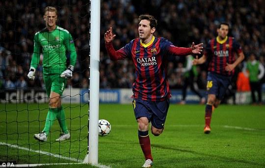 Messi ghi bàn tứ chấm 11m
