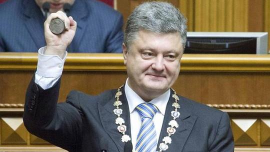 Tân Tổng thống Ukraine Petro Poroshenko đã cam kết chấm dứt cuộc chiến tại khu vực miền Đông. Ảnh: Reuters