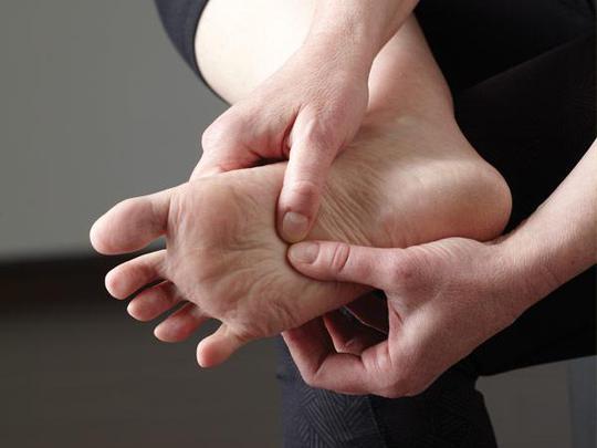 Viêm khớp khiến bạn vận động khó khăn hơn, dẫn đến tăng cân