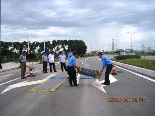 Bộ GTVT đã có văn bản đề nghị điều tra, làm rõ trách nhiệm của tài xế điều khiển xe gây hư hỏng trạm cân trọng ở tỉnh Thanh Hóa.