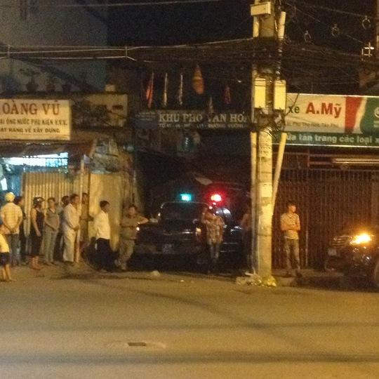 Lực lượng chức năng phong tỏa hiện trường hẻm 111 Vườn Lài, phường Phú Thọ Hòa, quận Tân Phú – TP HCM, vào tối 18-9, khi phát hiện thiết bị chứa chất phóng xạ được cất giấu trong nhà 111/15.