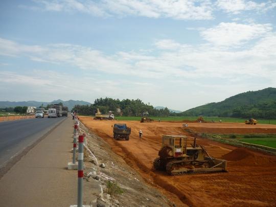 Thi công QL 1A đoạn đi qua tỉnh Bình Định