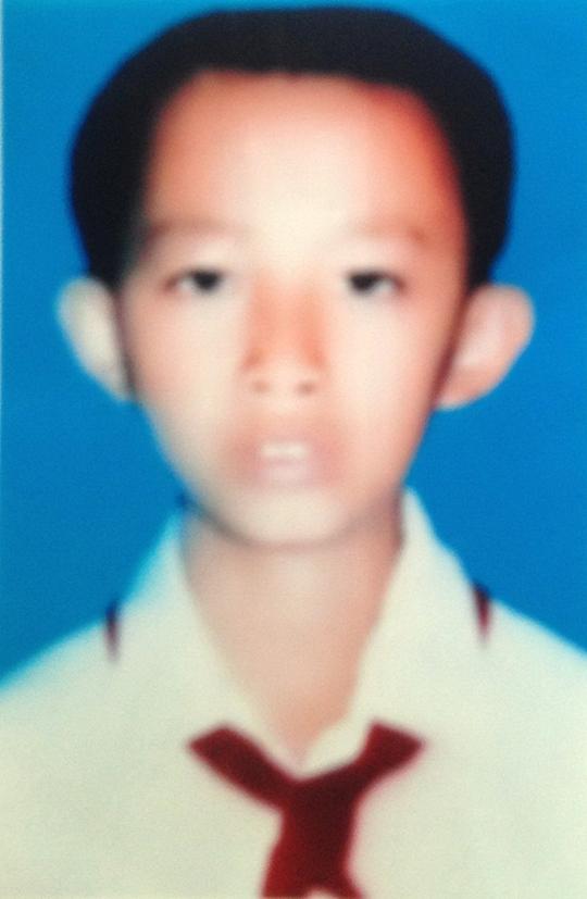 Phùng minh Tấn, bé trai bán vé số 12 tuổi bị bạn giết