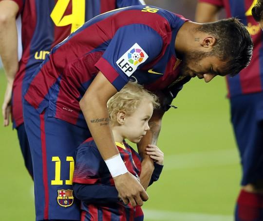 Neymar đã không có quà cho con trai của mình