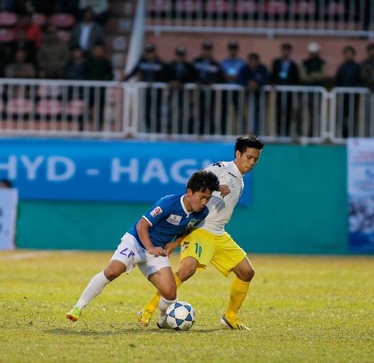 Văn Quyết góp công lớn trong chiến thắng 3-0 của Hà Nội T&T trước Pune FC