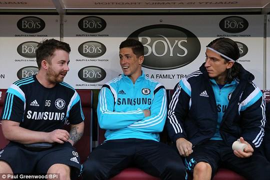 Torres đã chán cảnh phải ngồi miết trên băng ghế dự bị ở Chelsea