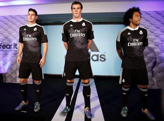 James Rodriguez, Bale và Marcelo giới thiệu áo và giày rồng - phượng
