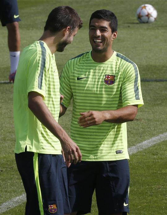 Neymar và Suarez trong một buổi tập