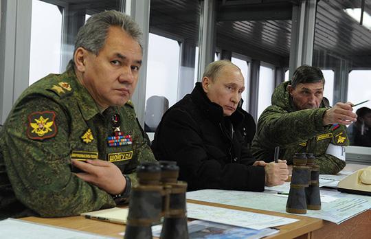 Ông Putin đến giám sát cuộc tập trận Kirillovsky. Ảnh: RIA Novosti