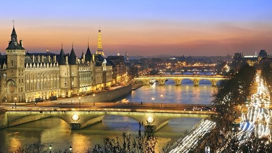 Dòng sông Seine thơ mộng