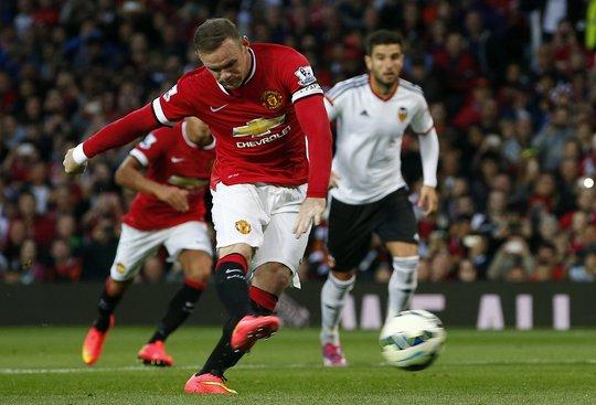 Rooney sút phạt đền bất thành