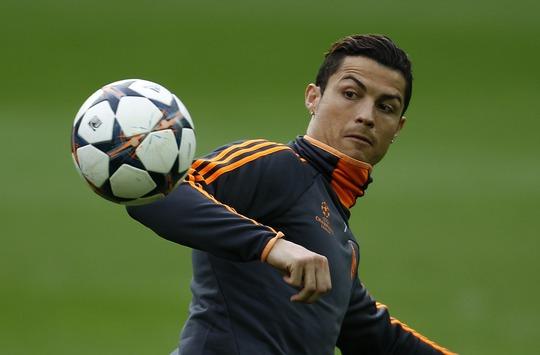 Chấn thương của Ronaldo chưa biết khi nào bình phục