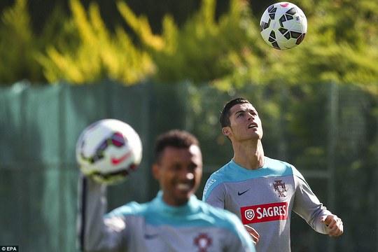Ronaldo chuẩn bị cho trận dấu với Armenia ở vòng loại Euro 2016