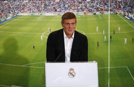 Toni Kroos trong ngày ra mắt Real