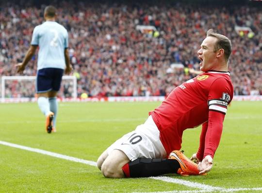 Rooney ăn mừng bàn mở tỉ số cho M.U