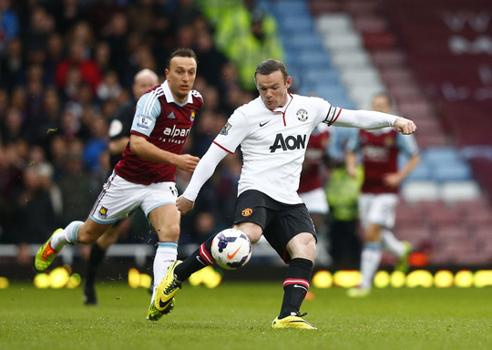 Rooney tung cú vô lê lập siêu phẩm từ khoảng cách 48 mét