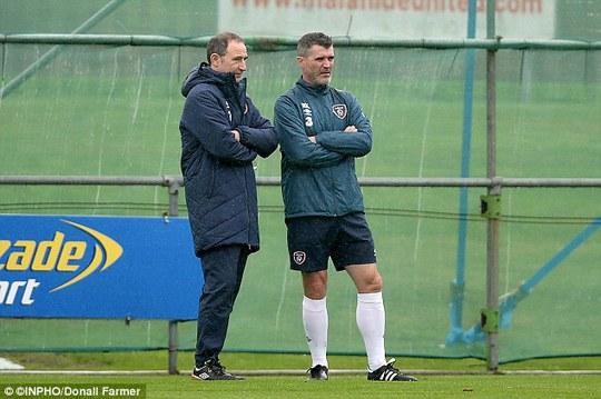 Roy Keane (phải) và HLV CH Ireland Martin ONeill