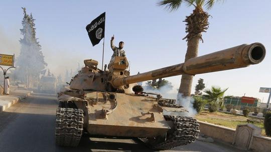 Mạng lưới khủng bố Al-Qaeda đã kêu gọi các nhóm tay súng ở Iraq và Syria thống nhất chống lại liên minh của Mỹ. Ảnh: Reuters