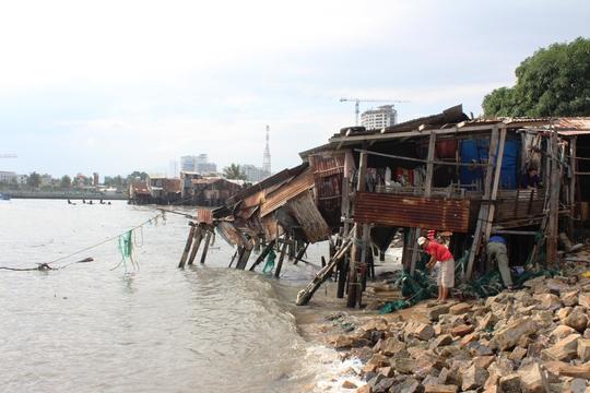 Còn 60 hộ dân nằm ngay trung tâm TP Nha Trang bị đe dọa từng ngày