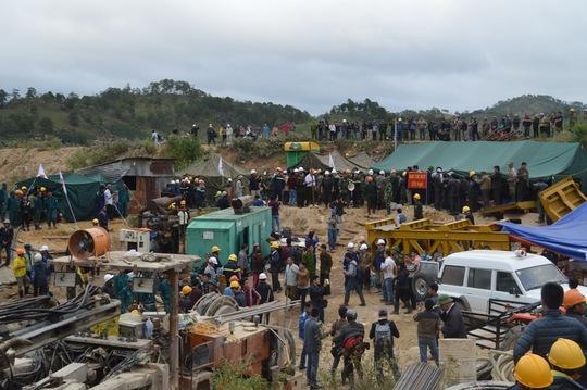 Hiện trường khu vực sập hầm trước khi giải cứu các nạn nhân