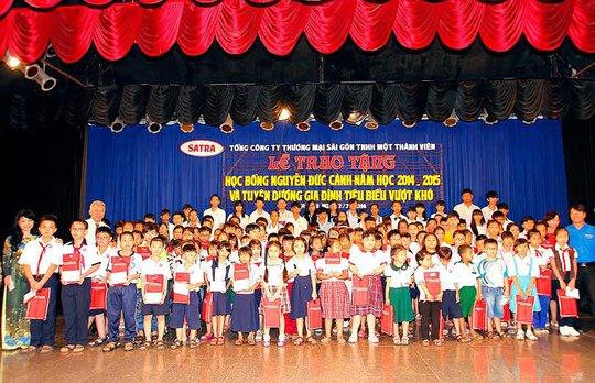 Con CNVC-LĐ Satra tại lễ tuyên dương và trao tặng học bổng Nguyễn Đức Cảnh