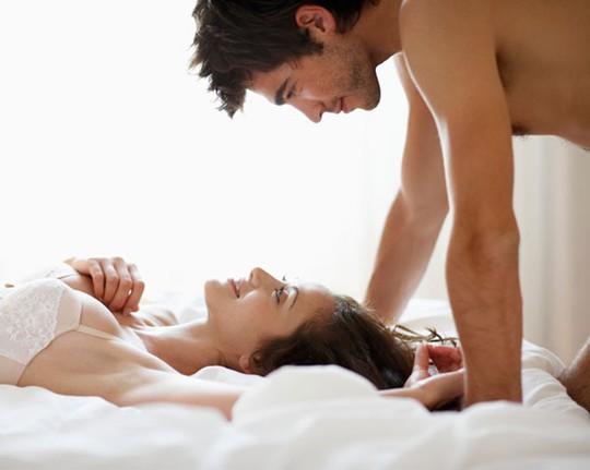 Khoảng 45% nam giới lên đỉnh trong vòng 2 phút - quá nhanh so với thời gian trung bình của phụ nữ là 5-7 phút.