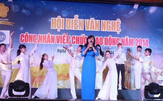 Một tiết mục tại hội diễn văn nghệ CNVC-LĐ Saigontuorist