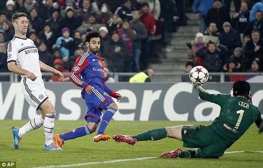 Salah chọc thủng lưới Chelsea ở vòng bảng Champions League mùa này