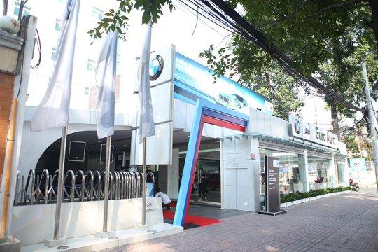 Phòng trưng bày BMW M & Individual (165 Pasteur, P6, Q3, TP HCM)