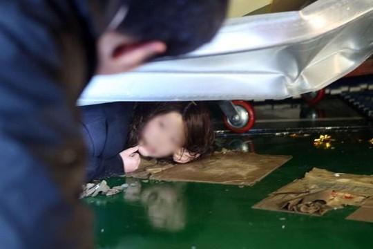 Có khoảng 100 sinh viên bị chôn vùi... Ảnh: bushanhaps.com