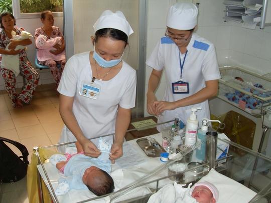 Những đứa bé ra đời khỏe mạnh, những ca sinh nở bình an là niềm vui của các BS sản khoa trong những ca trực Tết