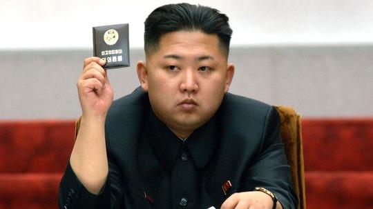 Ông Kim Jong-un vẫn không xuất hiện trước công chúng dẫn đến nhiều tin đồn về sức khỏe, quyền lực... lan tỏa. Ảnh: Reuters