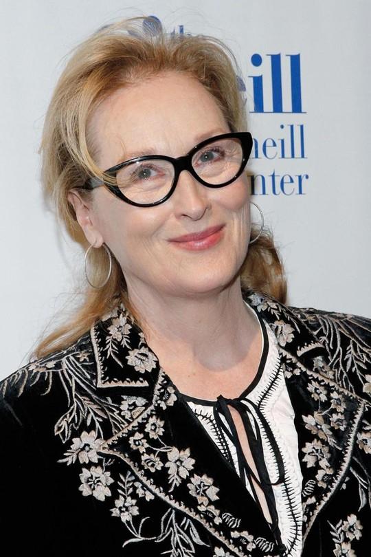 """(NLĐO) - """"Bà đầm thép"""" Meryl Streep đã từng băn khoăn, bất an về khả năng trở thành diễn viên của mình trong quá khứ. May mắn, bà đã vượt qua những tự ti ban đầu nếu không làng giải trí thế giới đã mất một nữ diễn viên tài năng từng đoạt 3 giải Oscar và vô số giải khác."""