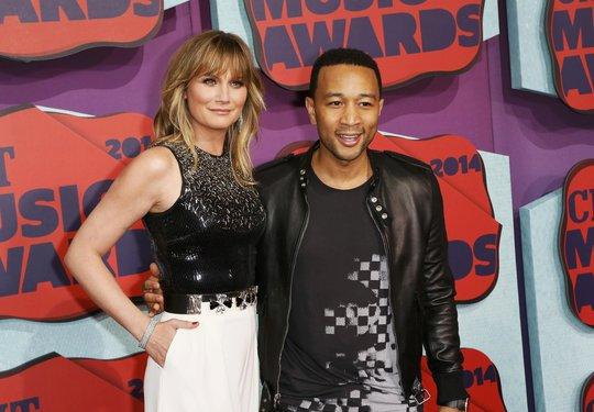 Jennifer Nettles và John Legend