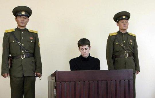 Matthew Todd Miller tại tòa án Triều Tiên được KCNA đăng tải tháng 9. Ảnh: Reuters