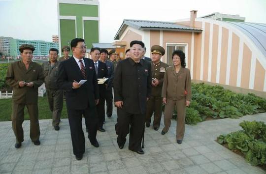 Ông Kim Jong-un thăm trường mẫu giáo, trại trẻ mồ côi