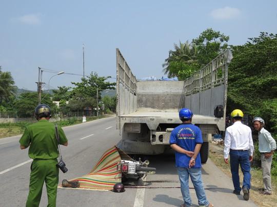 Tông vào đuôi xe tải, 1 người tử vong