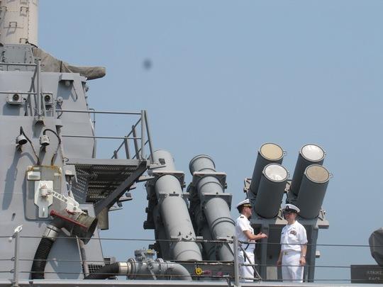 Cận ảnh tàu khu trục của Mỹ