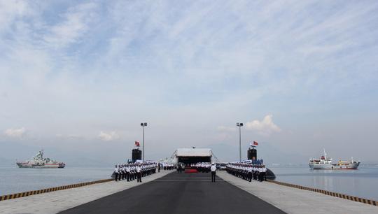 Toàn cảnh buổi diễn tập Lễ thượng cờ cấp quốc gia cho 2 tàu ngầm đầu tiên của Hải quân Việt Nam
