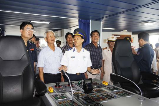 Tàu CSB 8001 trang bị cho Hải đội 302
