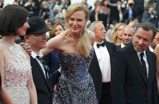 Nicole cùng 2 bạn diễn Paz Vega (trái) và Tim Roth
