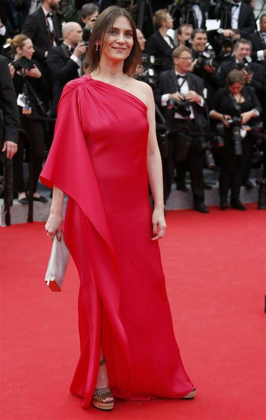 """""""Thiên nga Úc"""" khiêu vũ trên thảm đỏ LHP Cannes 2014"""